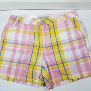 NEW Andrew Marc New York Shorts Womens Size 8